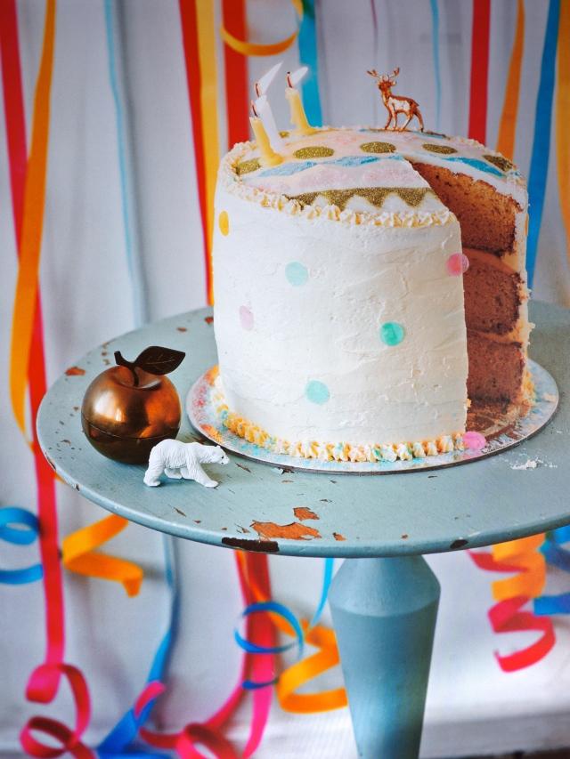 Beci Orpin Find & Keep Book Cake Stencil