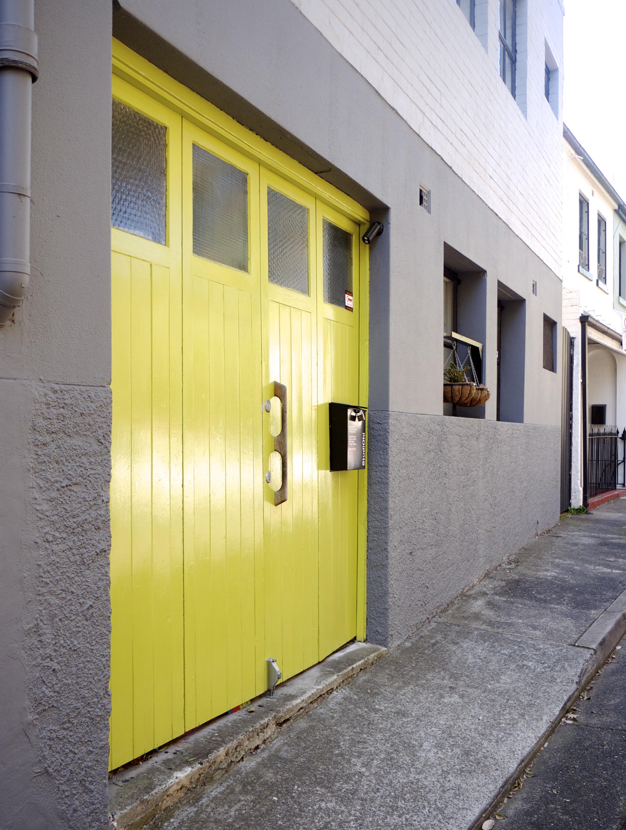 Citrus Colour - Yellow Door