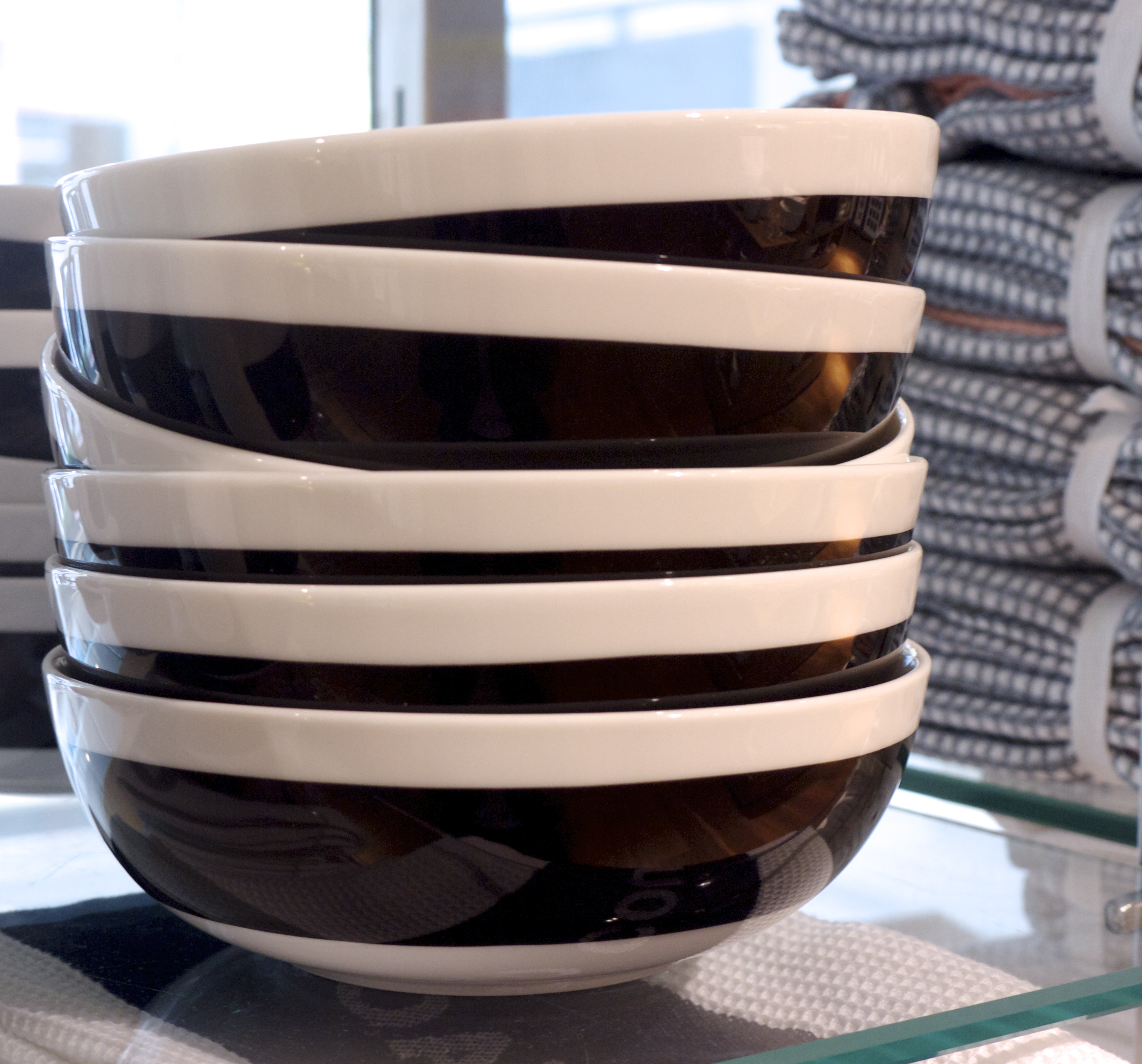 Country Road Black and White Bowls
