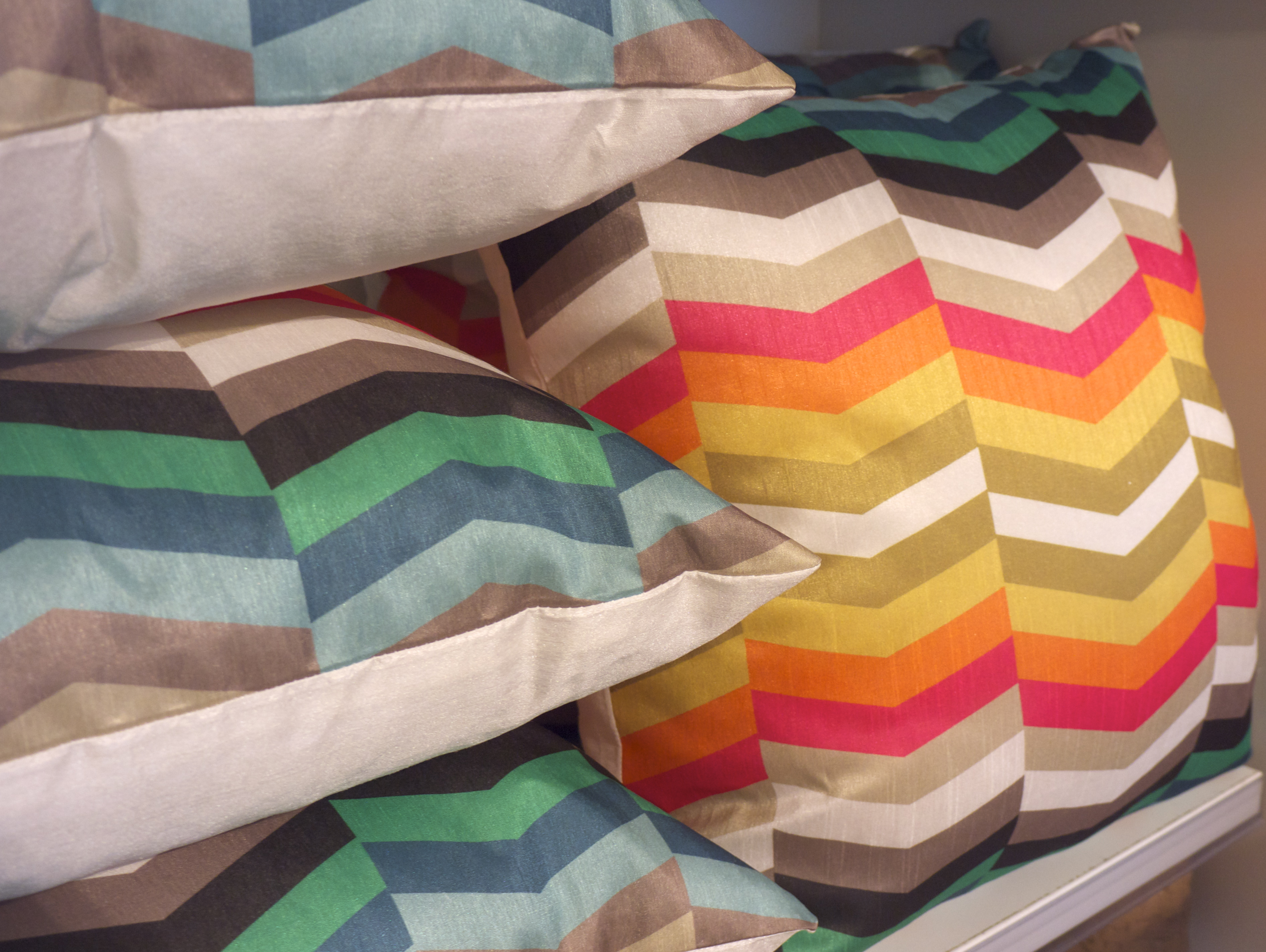 Freedom Top Ryde - Colourful Chevron Cushions