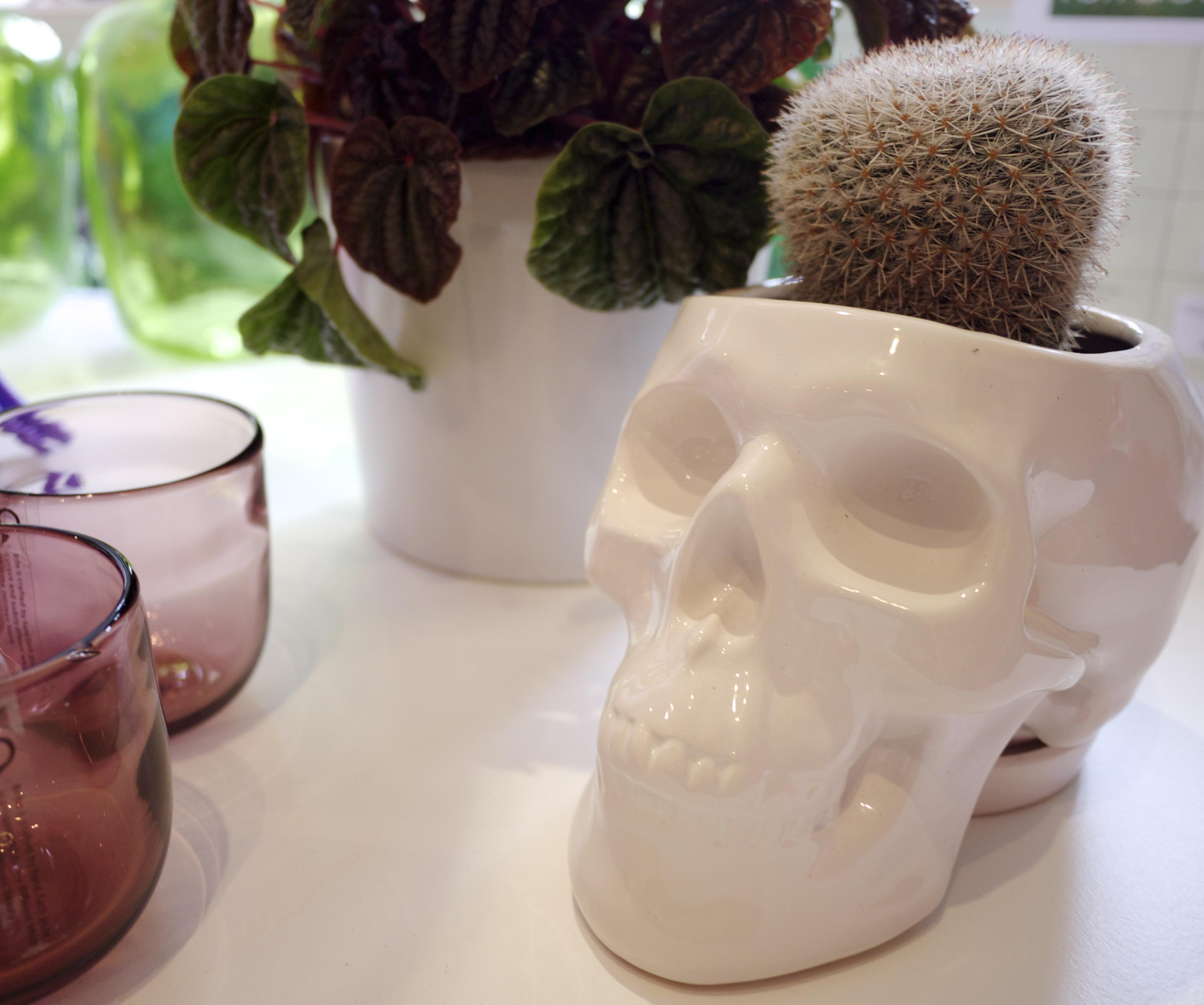 Terrace Outdoor Living - White Ceramic Skull Planter