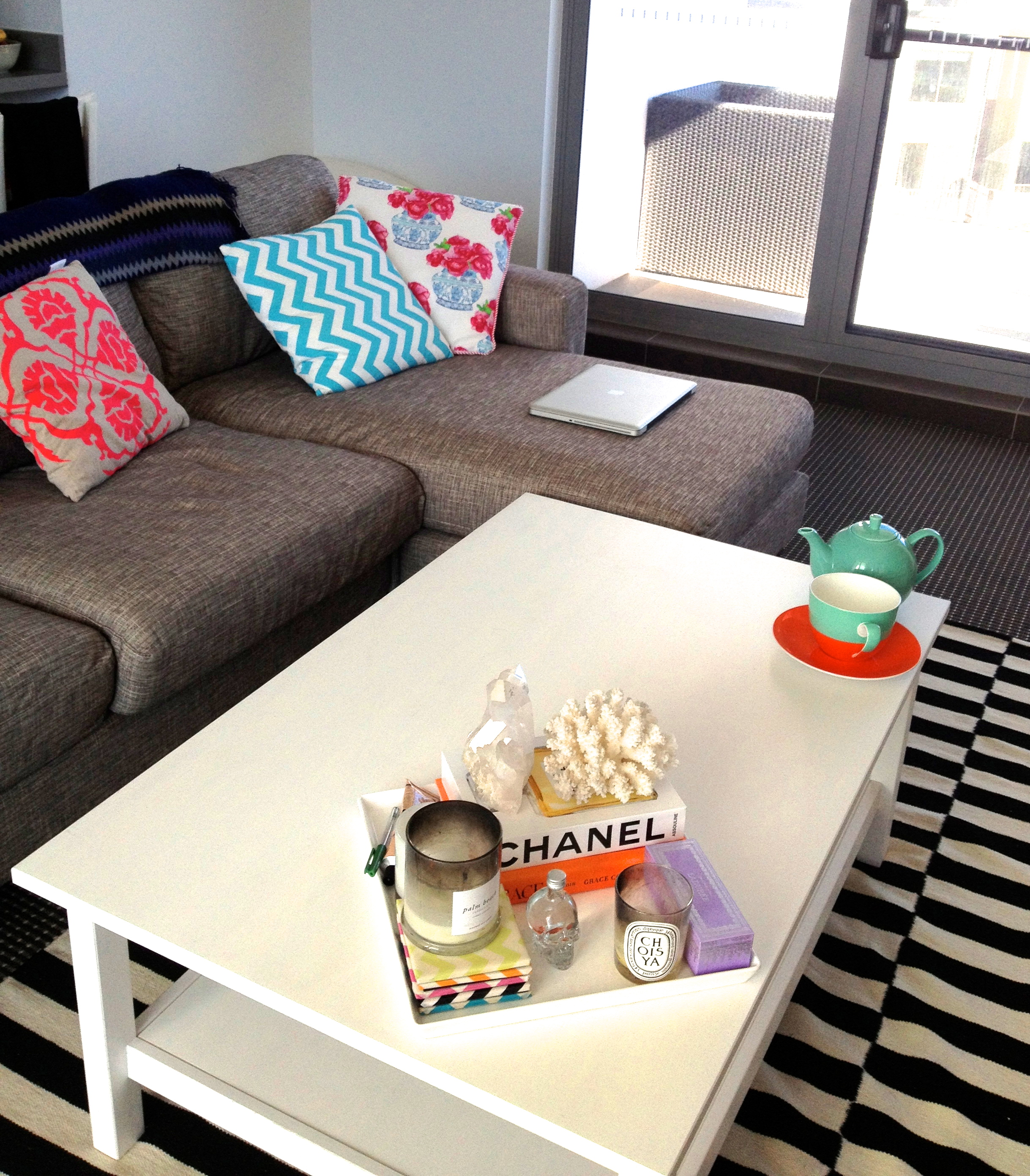 Nicole Fiedler's Colourful Bachelorette Pad - Living Room