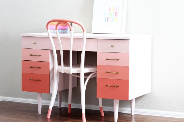 Ombe Desk and Chair - Pink and White
