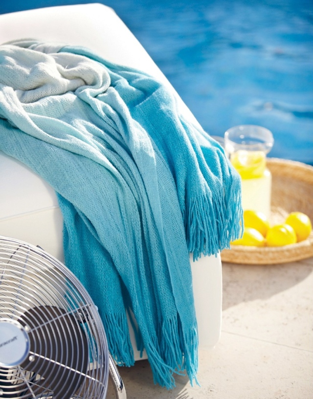 Ombre Throw - White to Aqua