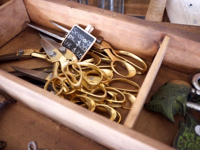 Indigo Love Store Tour - Golden Scissors